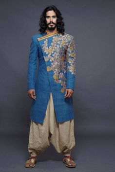 40 Top Indian Engagement Dresses for Men - Prom Dresses Design Mens Sherwani, Wedding Sherwani, Blue Sherwani, Kurta Men, Punjabi Wedding, Indian Men Fashion, Mens Fashion, Groom Fashion, Fashion Menswear