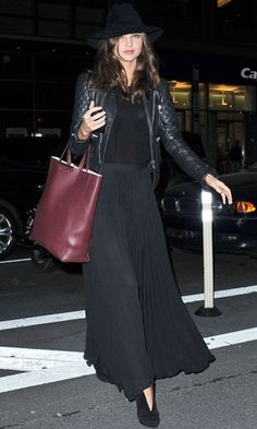 Miranda Kerr in pleated maxi - Ways To Wear Maxi Skirts
