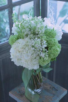 Natural Wedding Flowers, Natural Bouquet, Cheap Wedding Flowers, Simple Flowers, All Flowers, Bridal Flowers, White Flowers, Wedding Bouquets, Beautiful Flowers