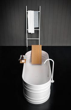 ▪️Connaissez-vous cette matière ? Grâce à ses nombreuses qualités, le corian est un matériau noble particulièrement adapté à une utilisation dans la salle de bains. ▪️Pour en connaître tous ses secrets, rendez-vous sur notre blog. #corian #article #blog #hydropolis #salledebains #designer #architecte #decorationinterieure #deco #homedecor #bathroom #matiere #RexaDesign #Falper #hidroboxbyasbara Photo : Agape Solid Surface, Small Bathroom, Bathrooms, Diy Home Improvement, Bathroom Fixtures, Interior Inspiration, Teak, New Homes, Shelves