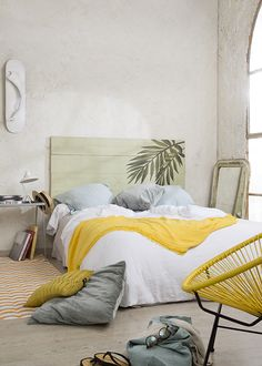 Home Bohemian Bedroom Decor from Around the World Yellow Bedroom, Bedroom Decor, Bedroom Interior, Home, Bedroom Inspirations, Home Deco, Home Bedroom, Bedroom Deco, Home Decor