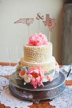 These Hipster Wedding Cakes Are So Sweet: Nothing says subculture like sidestepping wedding traditions and opting for something a little more unique.