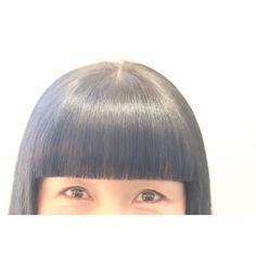 ChiakiSunagawaさんはInstagramを利用しています:「※今日のサロンワーク※ 直線の拘り…。 直角の拘り…。 1mmの拘り…。 息を止めて刃先を入れる…。 息を飲んで鋏を動かす…。 たかが前髪… されど前髪… 初心に戻れる慎重で丁寧なカット…。…。 2月の初来店から既に3回程… 前髪だけカットに…。…」 Thick Bangs, Straight Bangs, Bob With Bangs, Blunt Bangs, Blunt Bob, Hc Hair, Eye Makeup, Hair Cuts, Make Up