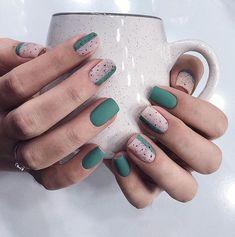 Semi-permanent varnish, false nails, patches: which manicure to choose? - My Nails Nail Design Stiletto, Nail Design Glitter, Matte Nails, Diy Nails, Acrylic Nails, Gel Nagel Design, Minimalist Nails, Nagel Gel, Stylish Nails