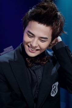 (LOVE THAT SMILE! Melts me every time) BIG BANG G-DRAGON ジヨン 權志龍