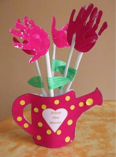 Vase Louane Toilet Paper Crafts, Paper Crafts For Kids, Crafts For Kids To Make, Projects For Kids, Art For Kids, Diy And Crafts, Arts And Crafts, Fathers Day Crafts, Mothers Day Cards