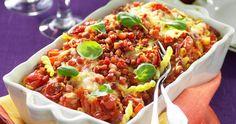 Billig och läcker vardagsmat med pastagratäng! Här får den krämiga gratängen god smak av bacon och mozzarella.