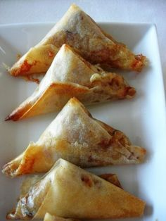Samosas way tartiflette - Danielle Harrington H P Samosas, Empanadas, Vegan Breakfast Recipes, Vegetarian Recipes, Cooking Recipes, Good Food, Yummy Food, Asian Recipes, Coco
