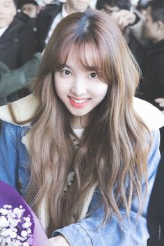 Twice-Nayeon 180203 Gimpo Airport Twice Jyp, Twice Once, South Korean Girls, Korean Girl Groups, Warner Music, Nayeon Twice, Im Nayeon, Dahyun, Kpop Girls
