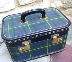 WOW!!! would I love to have a set of this today... 1960s Blue plaid train case - this is fantastic!