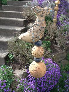 Garden balls & steles - ceramic fish stele - a designer piece by Boden . Garden Balls & Steles – Ceramic Fish Stele – a unique product by Bodenseekeramik on DaWanda Garden Totems, Garden Art, Clay Projects, Clay Crafts, Sculpture Art, Garden Sculpture, Keramik Design, Garden Balls, Porch Garden