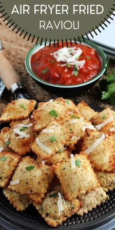 Air Fryer Fried Ravioli Appetizer is the perfect tasty morsel to serve up at your next backyard BBQ or party, sure to please any crowd! Family Fresh Meals, Easy Family Dinners, Quick Easy Meals, Family Recipes, Dinner Recipes, Grill Recipes, Easy Recipes, I Love Food, Good Food
