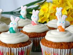 Cupcake Recipes : Carrot Cake Cupcakes with Cream Cheese Frosting