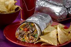 Amit a dietetikus sosem rendelne étteremben - Fogyókúra | Femina Burritos, Spicy Salsa, Slow Cooked Beef, Carne Asada, Good And Cheap, Roasted Tomatoes, Chicken Seasoning, Pulled Pork, Good Food