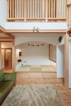 【アイジースタイルハウス】畳・和室。あえて壁や扉で囲わず、腰壁とアーチ壁で緩やかに仕切った和室