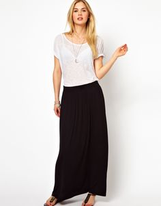 black maxi skirt= wardrobe staple. I finally got one!