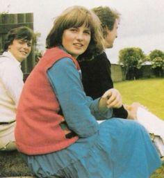 Lady Diana Childhood :: LadyDianaSpencer-Teen45.jpg image by dawngallick - Photobucket