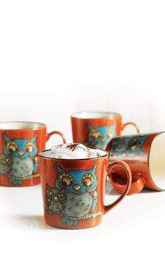 Glazed Owl Mugs - Set of 4 by Stokes on I want these so bad Owl Kitchen, Kitchen Stuff, Owl Mug, Coffee Love, Coffee Mugs, Kitchen Themes, Pottery Painting, Cool Diy Projects, Vintage Love