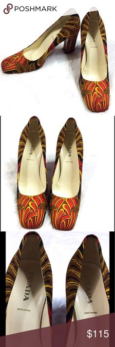 Vintage Prada Heels These timeless tulip print vintage Prada heels are in great condition! They have a thicker heel which makes these pumps easier for all day wear. 100% authentic. Women's size 6-6 1/2. Condition is a 8/10. Prada Shoes Heels