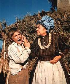 the contrast of the characters of huckleberry finn and tom sawyer in the adventures of huckleberry f Who is the foil in mark twain's adventures of huckleberry finn we have  the answers here,  character role analysis tom sawyer and huckleberry finn.