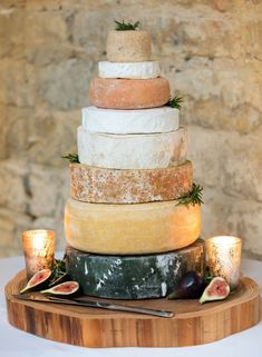 cheese wedding cakes 10 savoury samples crazyforus Cheese Wedding Cake Inspiration for You - CowlesNCP ~ Make your Wedding Ideas Cheesecake Wedding Cake, Wedding Cake Flavors, Fun Wedding Cake Toppers, Wedding Cake Alternatives, Traditional Wedding Cakes, Wedding Cake Inspiration, Wedding Ideas, Wedding Cake Rustic, Cheese Lover