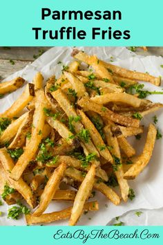 When comfort food meets luxury, you have a plate of Appetizers For A Crowd, Healthy Appetizers, Yummy Snacks, Appetizer Recipes, Snack Recipes, Cooking Recipes, Side Dish Recipes, Side Dishes, Parmesan Truffle Fries