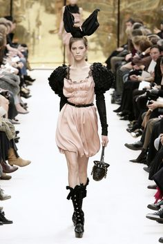 Louis Vuitton - Ready To Wear - Fall 2009 Collection