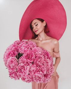 Pink Petals, Girl Fashion, Crochet Hats, Beanie, Flowers, Photography, Photo Ideas, Instagram, Elegant