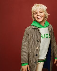 Discover the new ZARA collection online. The latest trends for Woman, Man, Kids and next season's ad campaigns. Teenage Girl Outfits, Girls Summer Outfits, Tween Girls, Boy Outfits, Fashion Outfits, Summer Clothes, Fashion Clothes, Fashion Wear, Dresses For Tweens