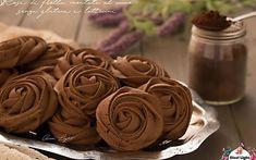 Rose di frolla montata al cacao senza glutine e latticini