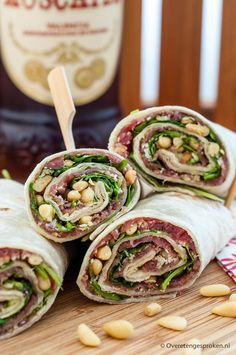 Wraps with Parma ham, sun dried tomatoes and pesto mayonnaise Cooking idea - Lunch Snacks Clean Eating Snacks, Healthy Snacks, Healthy Recipes, Healthy Nutrition, I Love Food, Good Food, Yummy Food, Pesto, Snacks Für Party