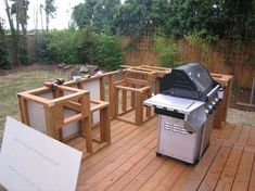 DIY outdoor kitchen cabinets is an excellent idea to create and install attractive and good quality kitchen cabinets at affordable prices. Outdoor Barbeque, Diy Outdoor Bar, Outdoor Kitchen Patio, Outdoor Kitchen Cabinets, Outdoor Kitchen Design, Outdoor Decor, Outdoor Kitchens, Outdoor Cooking, Outdoor Ideas
