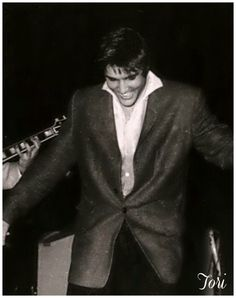 Elvis (One of my all time favorite 50's photos)
