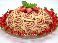 Refreshing summer cake, lightly flavoured with sour cream and with fresh strawberries. Strawberry Roll Cake, Summer Cakes, Vanilla Sugar, Food Cakes, Something Sweet, Food Photo, Sour Cream, Creme, Cake Recipes