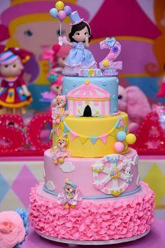 Ballerina Birthday Parties, Baby Birthday Cakes, 1st Birthday Photos, Carnival Birthday Parties, Circus Birthday, Birthday Party Decorations For Adults, Circus Cakes, Circus Theme Party, Hello Kitty Cake