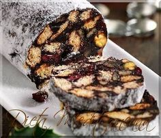 This fridge cake recipe looks impressive but is really easy to make. Instead of digestive biscuits, you can use leftover amaretti, biscotti and other Christmas biscuits. Fridge Cake, Cake Recipes, Dessert Recipes, Jacque Pepin, Christmas Biscuits, Digestive Biscuits, Romanian Food, No Bake Pies, Food Cakes