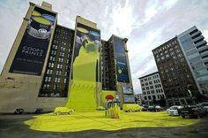 건물을 활용한 페인트 회사광고
