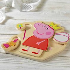 Your little one will love this personalised puzzle tray featuring Peppa Pig.