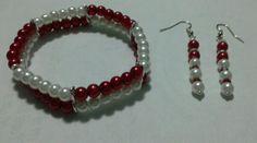 Pulsera dos hilos de perlas. Beige y rojo con aretes que hacen juego