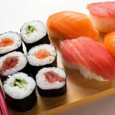 Vols pas chers vers Japon. Sushi Co, Sushi Donuts, Sushi Recipes, Asian Recipes, Healthy Recipes, I Love Food, Good Food, Yummy Food, My Favorite Food