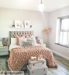 Best 27 Room Decor Bedroom Design Ideas For Your Inspiration Teen Bedroom Designs, Bedroom Decor For Teen Girls, Cute Bedroom Ideas, Room Design Bedroom, Small Room Bedroom, Room Ideas Bedroom, Home Decor Bedroom, Girl Bedrooms, Bedroom Inspo