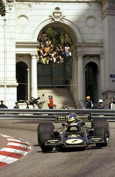 Ronnie Peterson (Lotus 72E) 1er Grand Prix de Monaco 1974