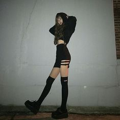 Pin by Kim Engel on Kleidung in 2019 Edgy Outfits, Grunge Outfits, Grunge Fashion, Girl Outfits, Fashion Outfits, Elegantes Outfit, Pinterest Fashion, Korean Street Fashion, Ulzzang Fashion