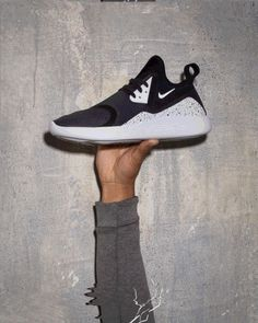 For those of you wondering what on earth the Nike LunarCharge is, you'll probably have heard rumours circulating in the sneaker community following their debut at the MTV EMAs by British-rapper Tinie Tempah. The story behind the Lunar Charge is quite...