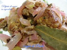 Polpette di carne in agrodolce. Spesso nella cucina siciliana trovi l'agrodolce. Queste polpette ne sono un esempio.