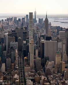 Beautiful New York Photos Spring In New York, Autumn In New York, New York Pictures, New York Photos, Places Around The World, Around The Worlds, Dream City, Concrete Jungle, Jolie Photo