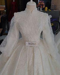 Hijab Dress Party, Hijab Wedding Dresses, Dress Wedding, Street Hijab Fashion, Muslim Fashion, Most Beautiful Dresses, Fashion Show, Fashion Outfits, Simple Hijab