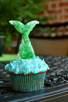 Mermaid cupcakes girls' swim party?
