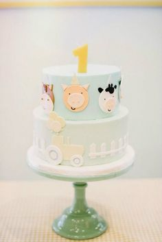 Farm cake from a Little Farm Birthday Party on Kara's Party Ideas… 2nd Birthday Cake Boy, Boys 1st Birthday Cake, Animal Birthday Cakes, Farm Animal Birthday, Farm Animal Cakes, Farm Animal Party, Farm Party, Barnyard Cake, Farm Cake