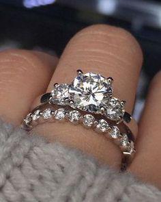 Perfect, perfect, perfect! #diamondring #diamonds #engagementrings #trophywife